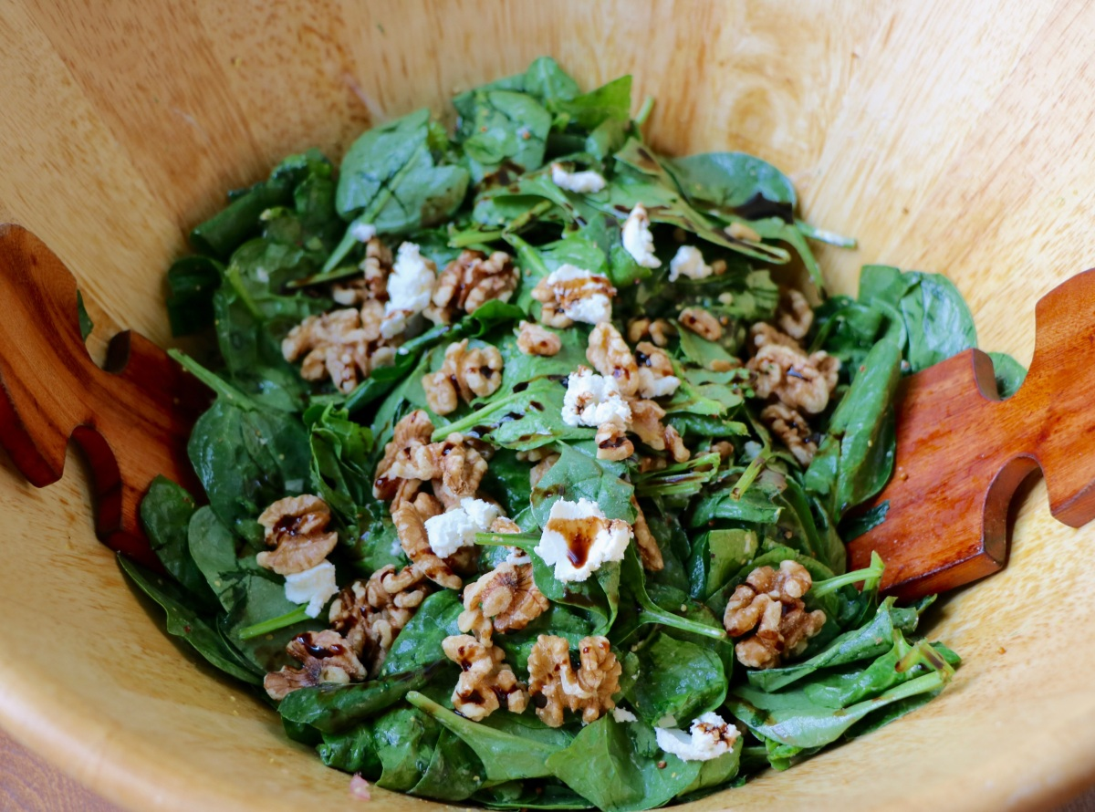 Spinach, Kale, Goat Cheese & Walnut Salad